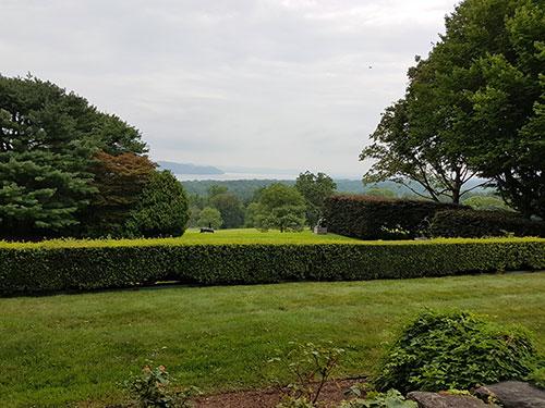 Vista del Valle del Hudson y jardines de Kykuit, mansión de los Rockefeller en Sleepy Hollow. Foto de AHM - Newyorkando
