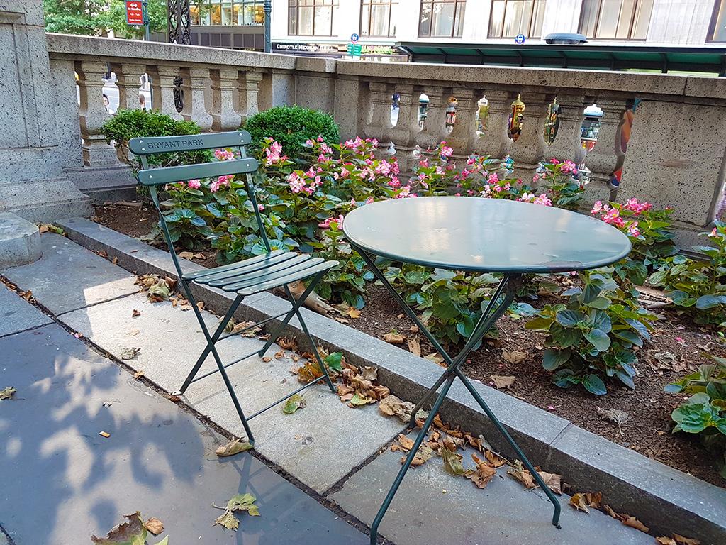 Sillas de Bryant Park junto a la Biblioteca de Nueva York - Foto de Andrea Hoare Madrid
