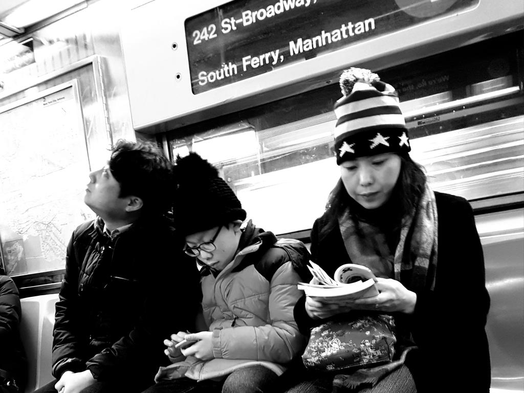 Turistas en el metro de Nueva York - Foto de Andrea Hoare Madrid