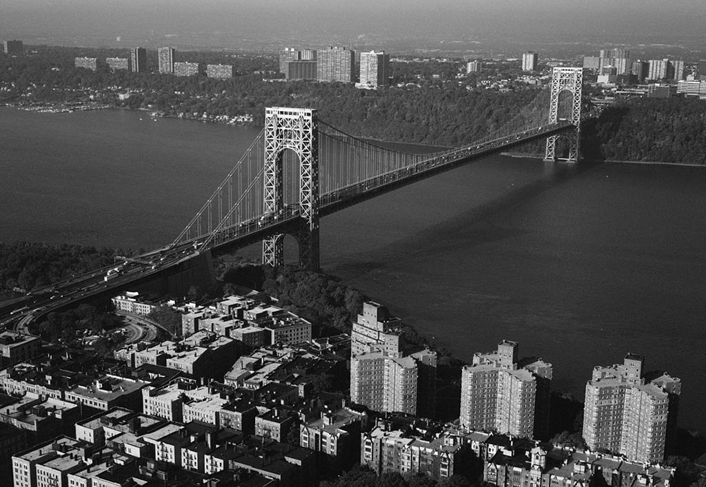 """Puente George Washington que conecta New Jersey y Nueva York. Foto de Dominio Público de John T. """"Jet"""" Lowe, vía Wikimedia disponible en https://es.m.wikipedia.org/wiki/Archivo:George_Washington_Bridge,_HAER_NY-129-78.jpg"""