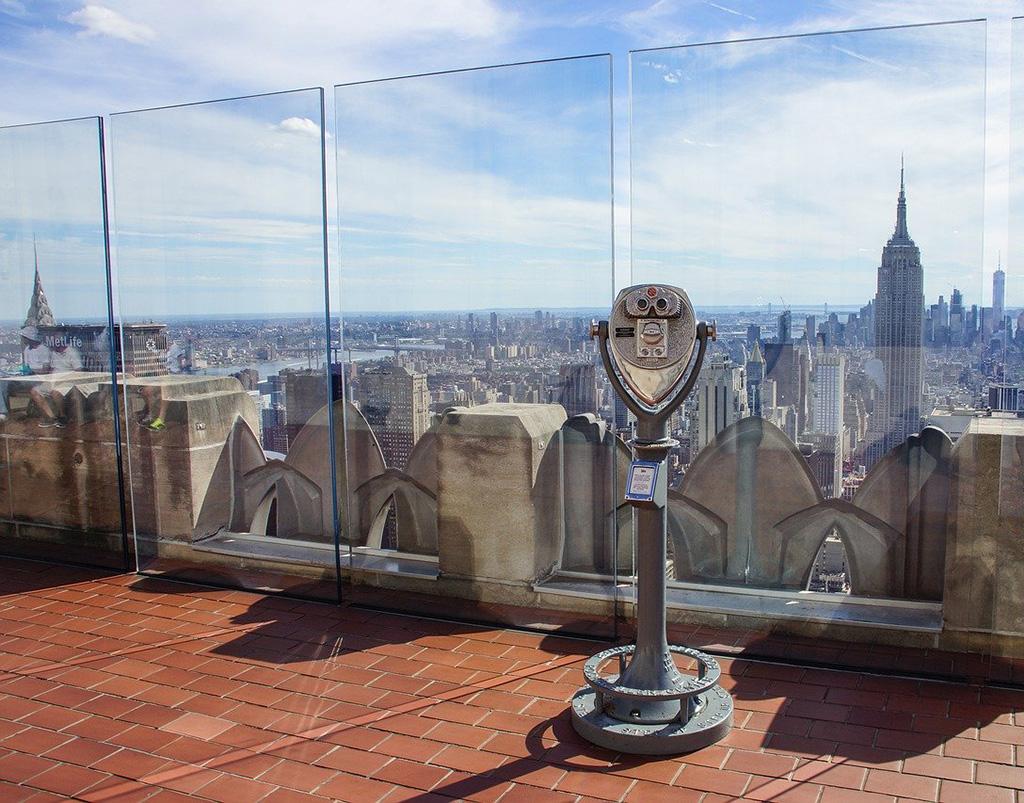 Mirador del Top of the Rock - Foto de Dominio Público via Pixabay https://pixabay.com/es/photos/nueva-york-rascacielos-empire-state-4430937/