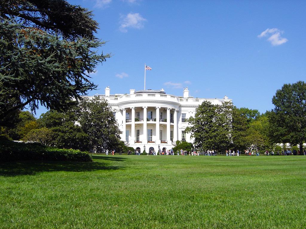 Casa Blanca fotografiada desde el jardín trasero - Foto de Andrea Hoare Madrid