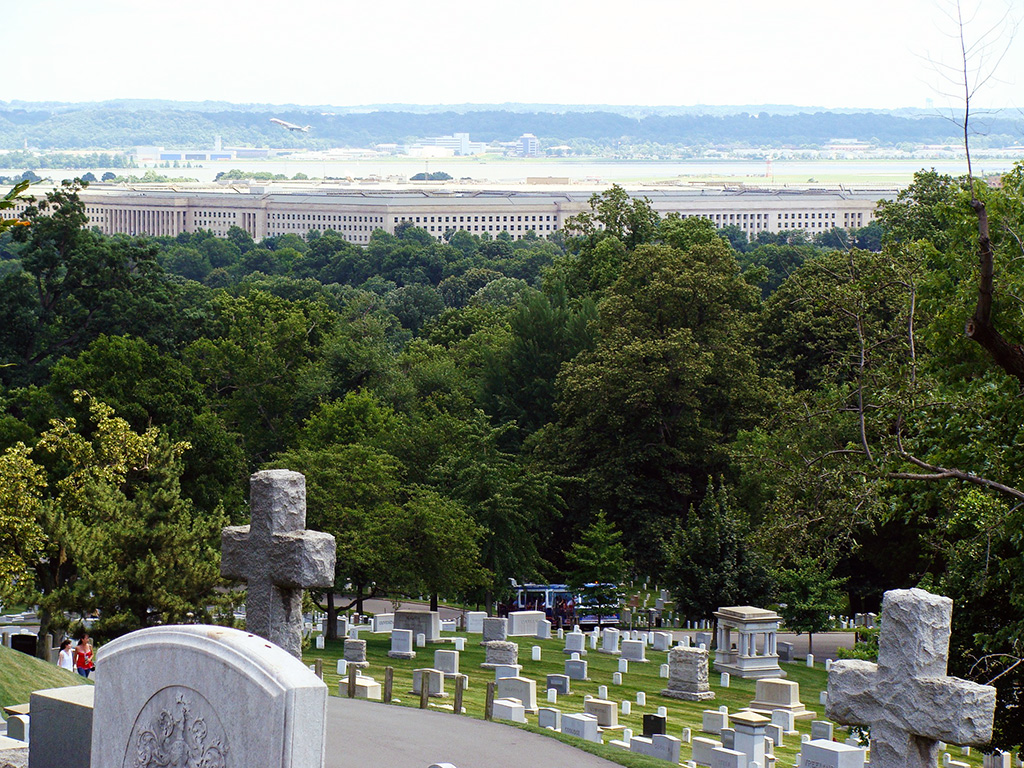 El Pentágono visto desde el Cementerio Arlington - Foto de AHM