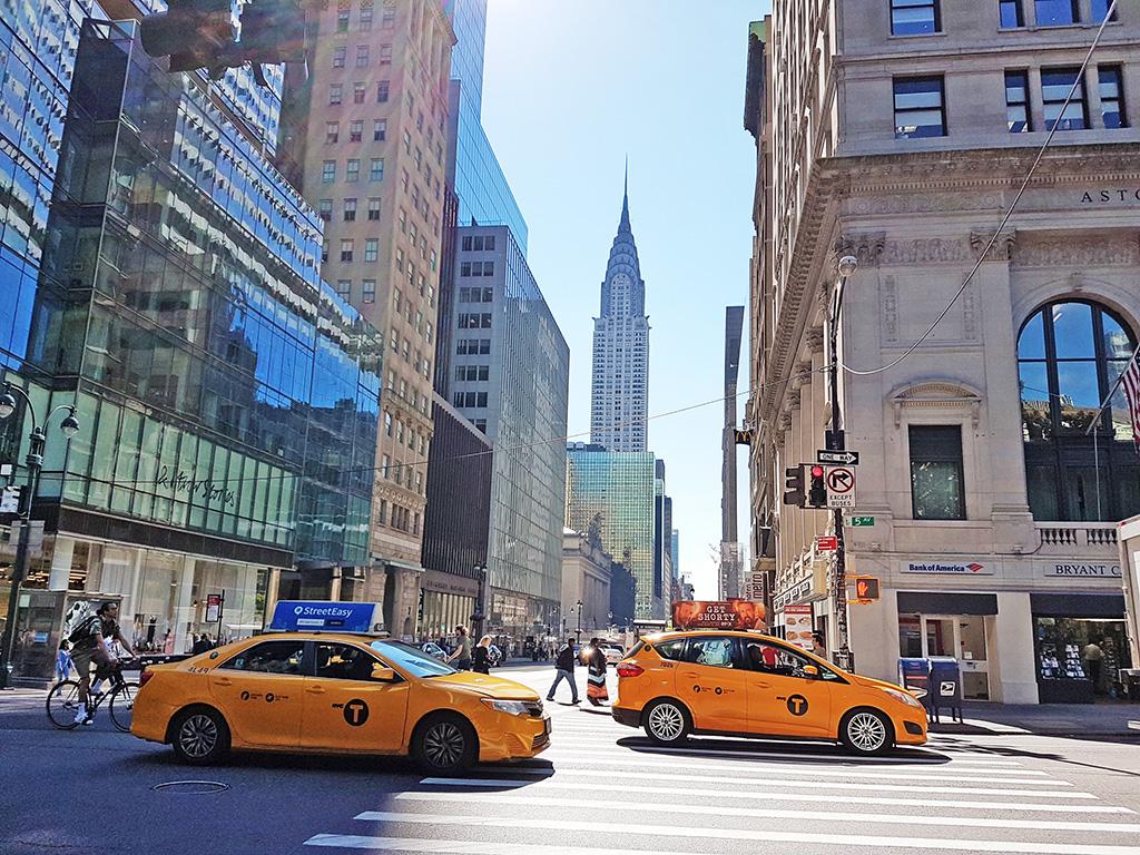 Edificio Chrysler visto desde la 5a Avenida - Foto de AHM - Uno de los lugares más importantes de Manhattan ideal para conocer en un viaje por Nueva York en 2 días