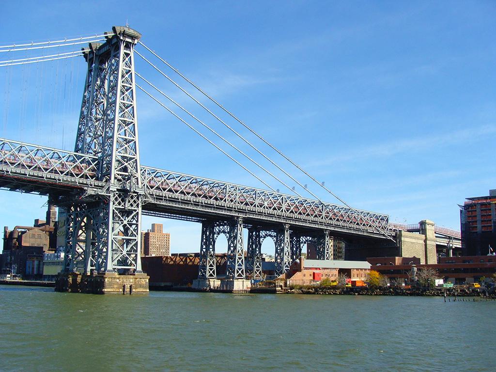 Puente de Williamsburg visto desde el East River Ferry - Foto de AHM