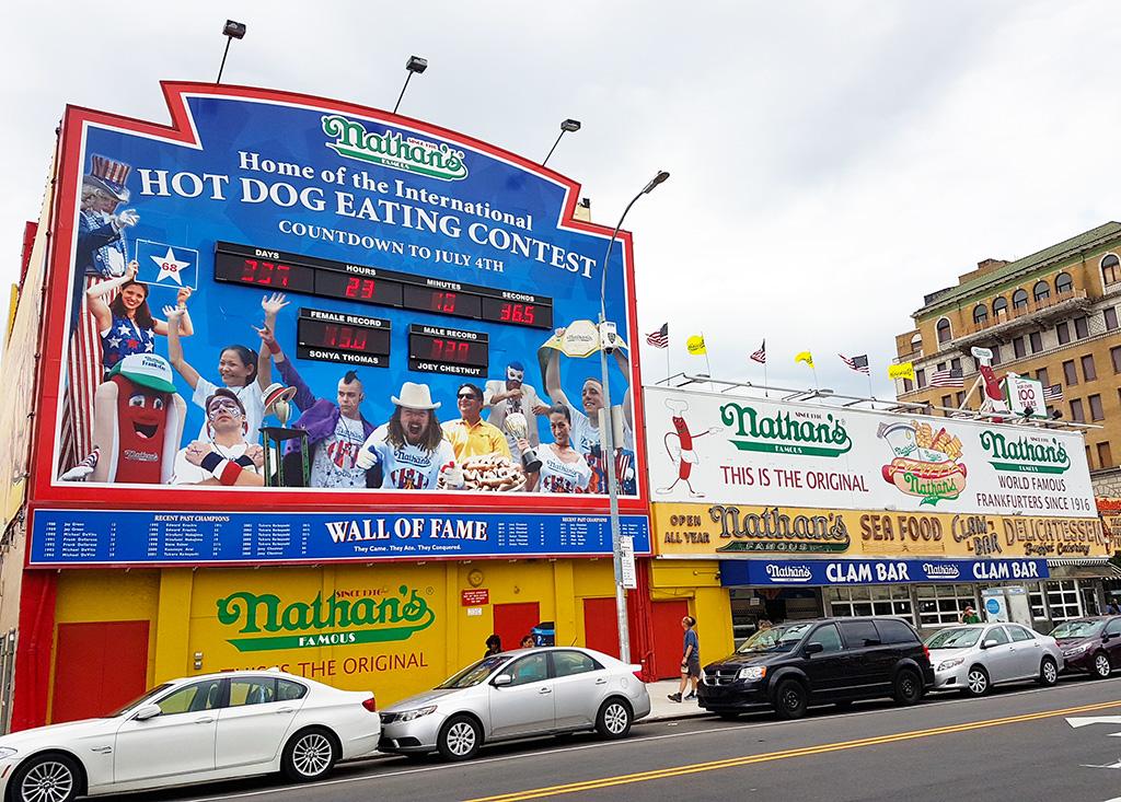 Wall of fame del Hot Dogs Easting Contest de Nathans en Brooklyn - Foto de AHM