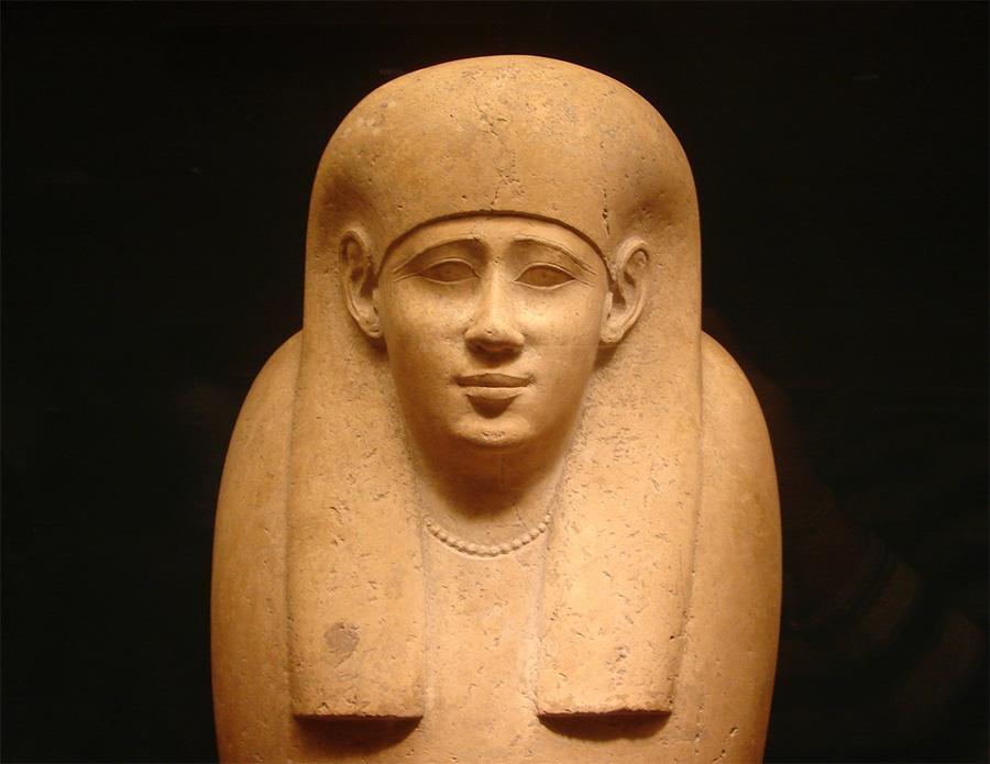 Sarcófago de piedra egipcio en el Museo de Arte Metropolitano de Nueva York -MET- Foto de Jorge Hoare Madrid- Colección Arte Egipcio MET NY