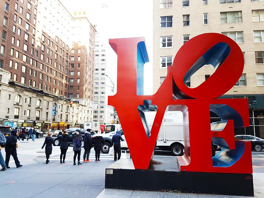 Escultura LOVE de Robert Indiana en Nueva York - Foto de Andrea Hoare Madrid