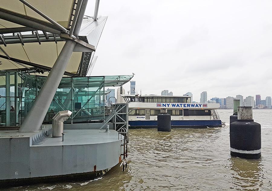 Embarcadero del NY Waterway terminal Brookfield Place / Battery Park, ferry que va de New Jersey a Nueva York - Foto de Andrea Hoare Madrid