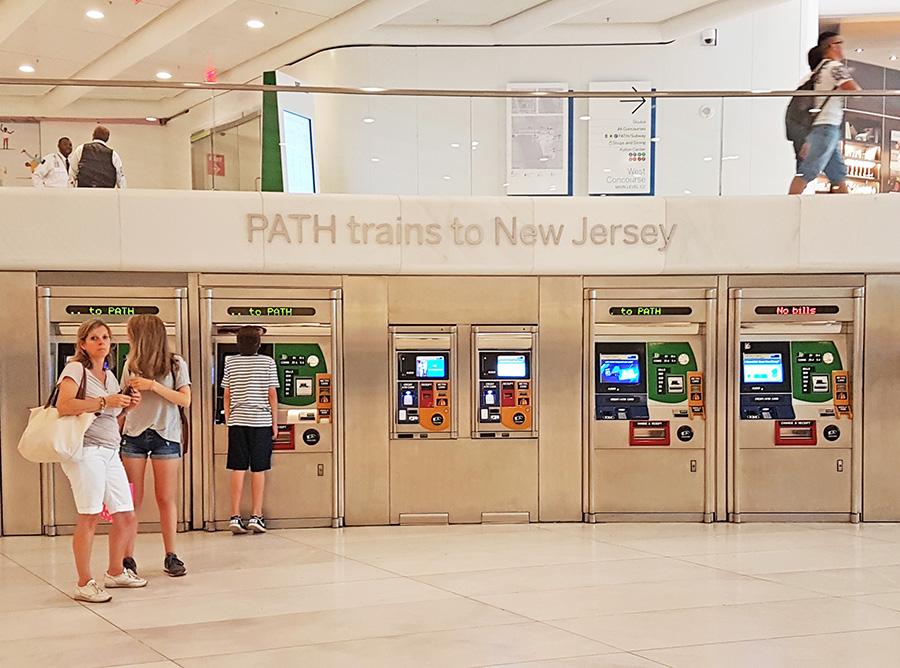 Máquinas automáticas de boletos del Path a New Jersey desde Manhattan (Estación del WTC Transportation Hub) - Foto de AHM
