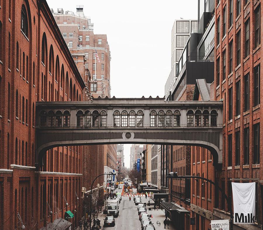 Pasarela de Chelsea Market vista desde el High Line Park - Foto de Javier Salido en Unsplash