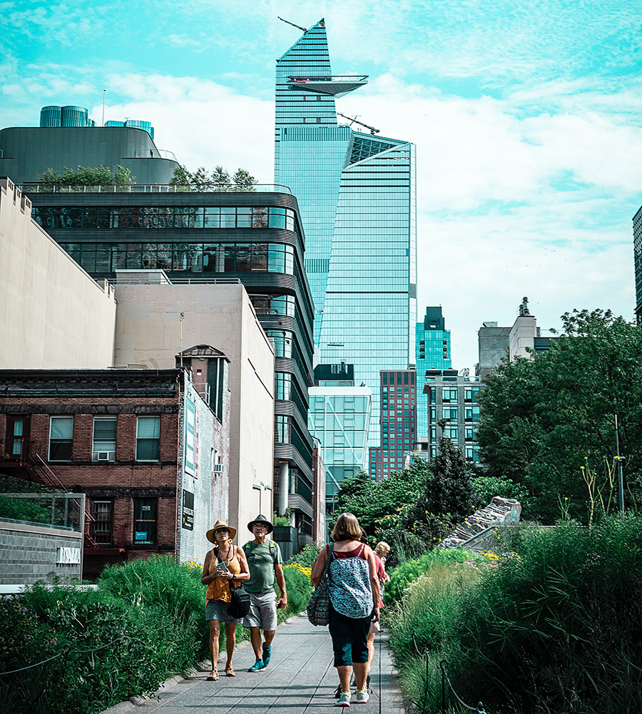 Rascacielos de Hudson Yards vistos desde el High Line Park - Foto de Alex Simpson on Unsplash disponible en https://unsplash.com/photos/3RXBdIpqdKc
