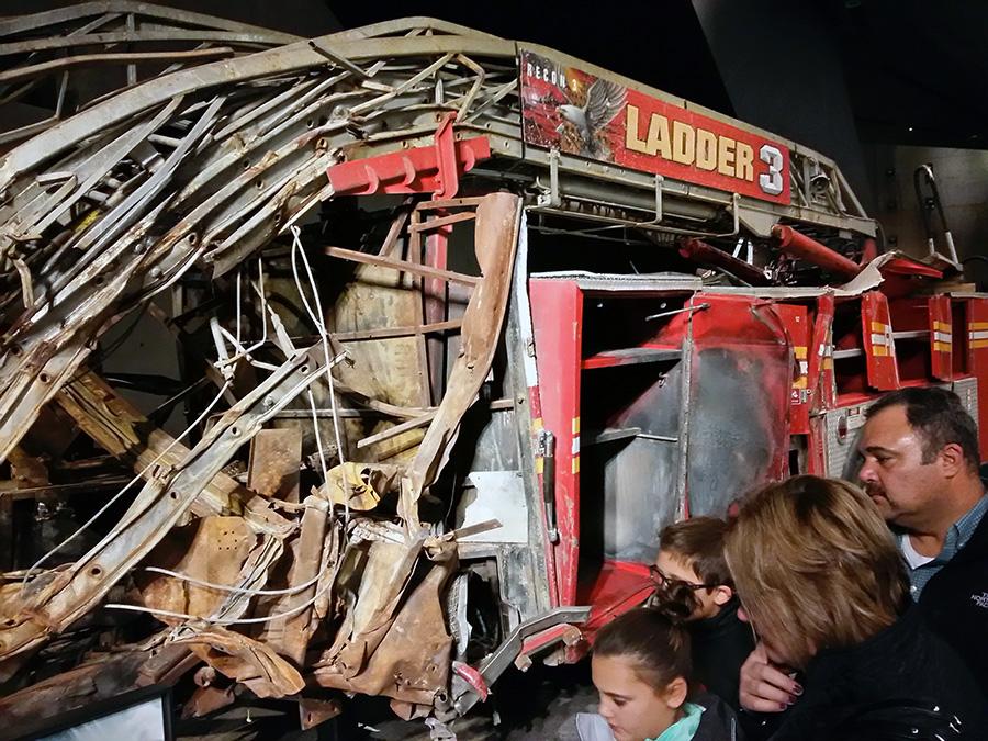 Primer camión de bomberos que llegó al rescate de las Torres Gemelas en el Museo del 9/11 - Foto de Andrea Hoare Madrid - Newyorkando