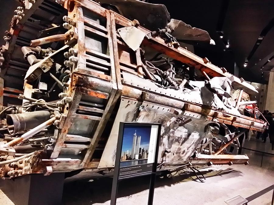 Fragmento de antena de la Torre Gemela Norte en el Museo Memorial del 9/11 - Foto de Andrea Hoare Madrid - Newyorkando