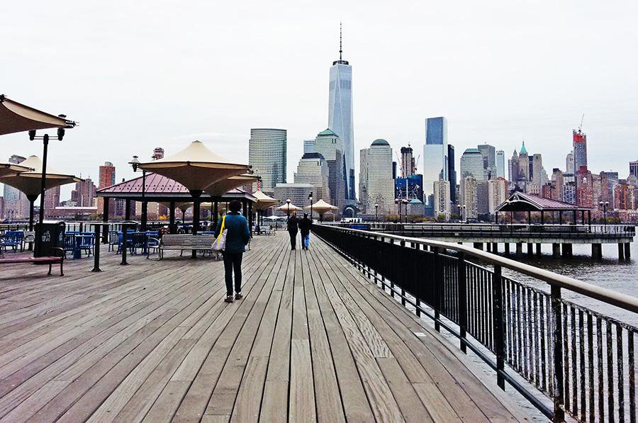 Paseo marítimo del J Owen Grundy Park en New Jersey, uno de los mejores miradores de Nueva York en New Jersey - Foto de AHM