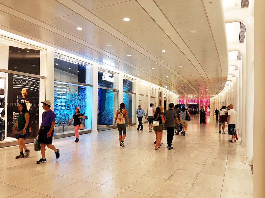 Pasillos subterráneos que conectan los distintos lugares del World Trade Center - Foto de AHM