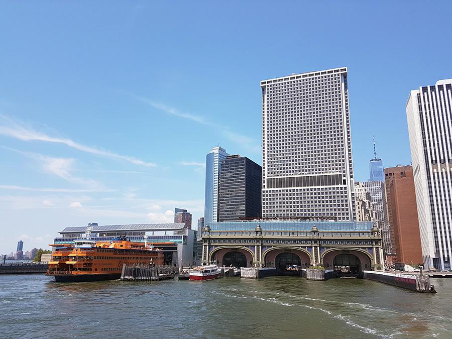 Terminal Battery Maritime Building desde donde zarpan los ferrys a la Isla de los Gobernadores (vecino al Terminal South Ferry desde donde zarpan los ferrys a Staten Island) - Foto de Andrea Hoare Madrid