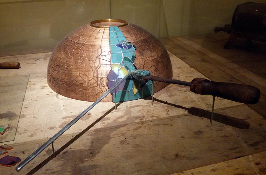 Muestra del proceso de fabricación de las Lámparas Art Noveau de Tiffanys en el Museo de Arte de Queens - Foto de Andrea Hoare Madrid