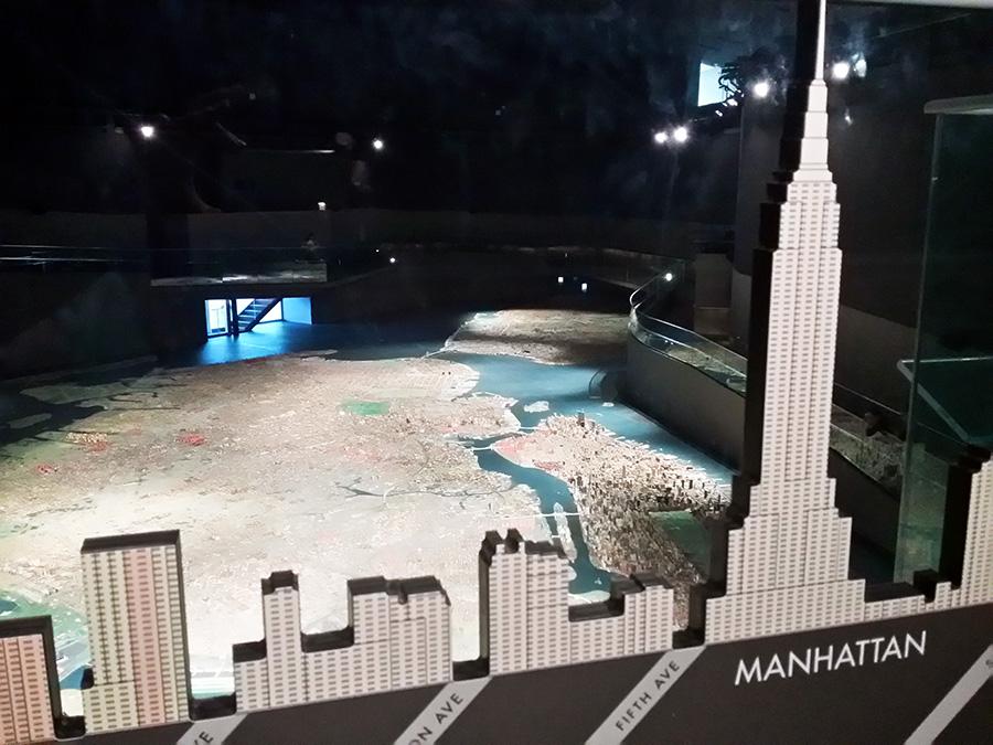Escala de algunos de los edificios más representativos de Nueva York en el Panorama -la maqueta a escala de Nueva York del urbanista Robert Moses - Foto de Andrea Hoare Madrid