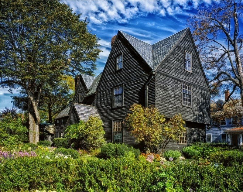 House Of Seven Gables, Salem, Massachusetts. Foto con una Licencia CC0 1.0 Universal (CC0 1.0) Public Domain Dedication vía Foter.com disponible en https://foter.com/photo5/house-of-seven-gables-salem-massachusetts-home/