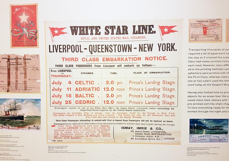 Poster con información de los horarios para embarcar en tercera clase del transatlántico White Star Line entre Liverpool, Queenstown y Nueva York. Colección del Museo de South Street Seaport - Foto de AHM