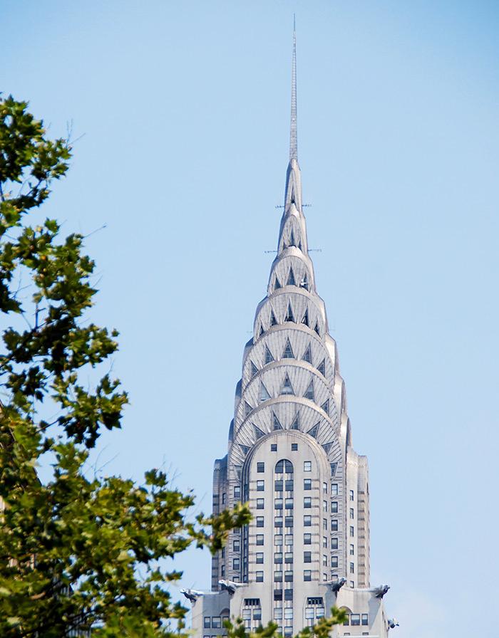 Corona del Chrysler Building en Midtown Manhattan - Foto de Ilse Orsel en Unsplash disponible en https://unsplash.com/photos/ktWq_6gJKmg