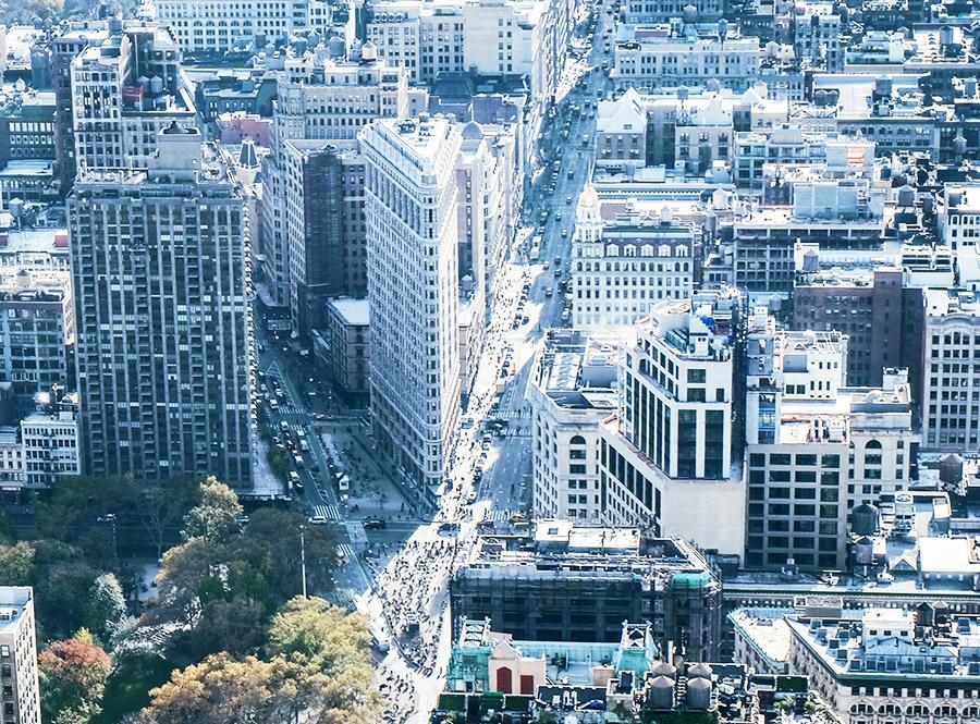 Edificio Flatiron visto desde el Mirador del Empire State - Foto de Daryan Shamkhali en Unsplash disponible en https://unsplash.com/photos/mPqVZQIASYA