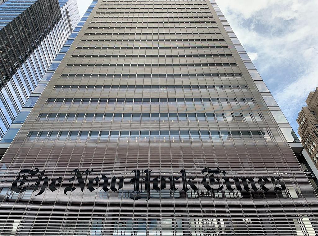 Fachada del Edificio The New York Times en Times Square, Manhattan - Foto de David Smooke en Unsplash disponible en https://unsplash.com/photos/En_wELYYhD4