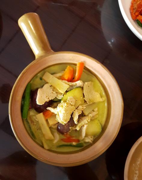 Curry verde en un restaurante tailandés de Greenpoint, Brooklyn. Foto de Andrea Hoare Madrid