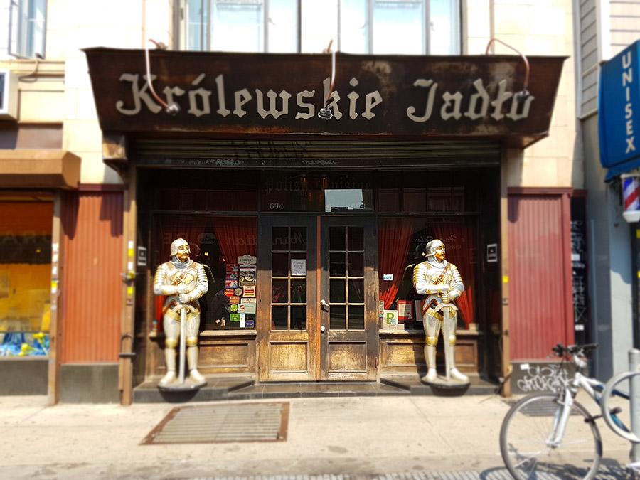 Entrada de un tradicional Restaurante polaco en Greenpoint, la Pequeña Polonia de Nueva York - Foto de Andrea Hoare Madrid