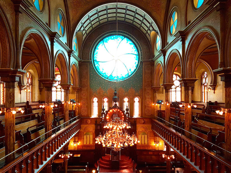 Interior de la Sinagoga de Eldridge Street, museo judío en el Lower East Side - Foto de Andrea Hoare Madrid