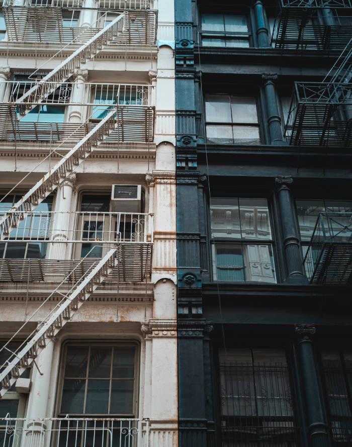 Típicos edificios con estructura de hierro de SOHO - Foto de Radoslav Bali en Unsplash disponible en https://unsplash.com/photos/0rONm-5lDA4
