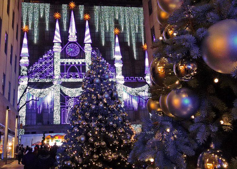 Channel Gardens decorado de navidad (pasaje que conecta la Quinta Avenida con la Rockefeller Plaza. Foto de Andrea Hoare Madrid